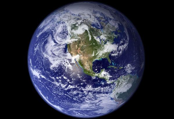 jordens omkreds er størst ved